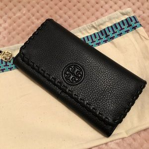NWOT Brand New Tory Burch Pebble Leather Wallet!